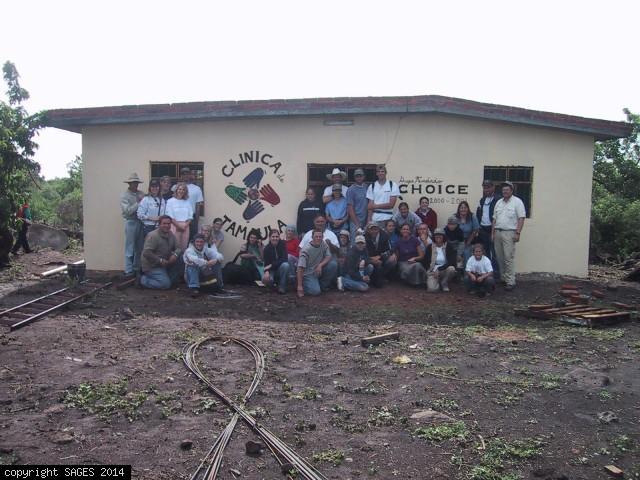 Building clinic iin Mexico
